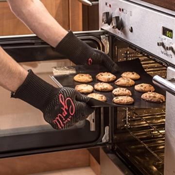 Grillhandschuhe Ofenhandschuhe - Hitzefeste BBQ Handschuhe von Hans Grill: Rutschfeste Handschuhe Perfekt zum Kochen | Grill & Feuerplatz Accessoires | Topfhandschuhe Backhandschuhe Professionelle, Zertifizierte, Schnittfeste Küchenhandschuhe mit Unterarm Schutz | 500°C | 923°F 1 Paar - 4