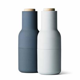 Menu - Bottle Salz- und Pfeffermühlen Set, klein, hellblau (Holzdeckel) - 1